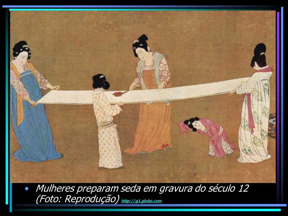 Mulheres preparam seda em gravura do século 12 (Foto: Reprodução) http://g1.globo.com