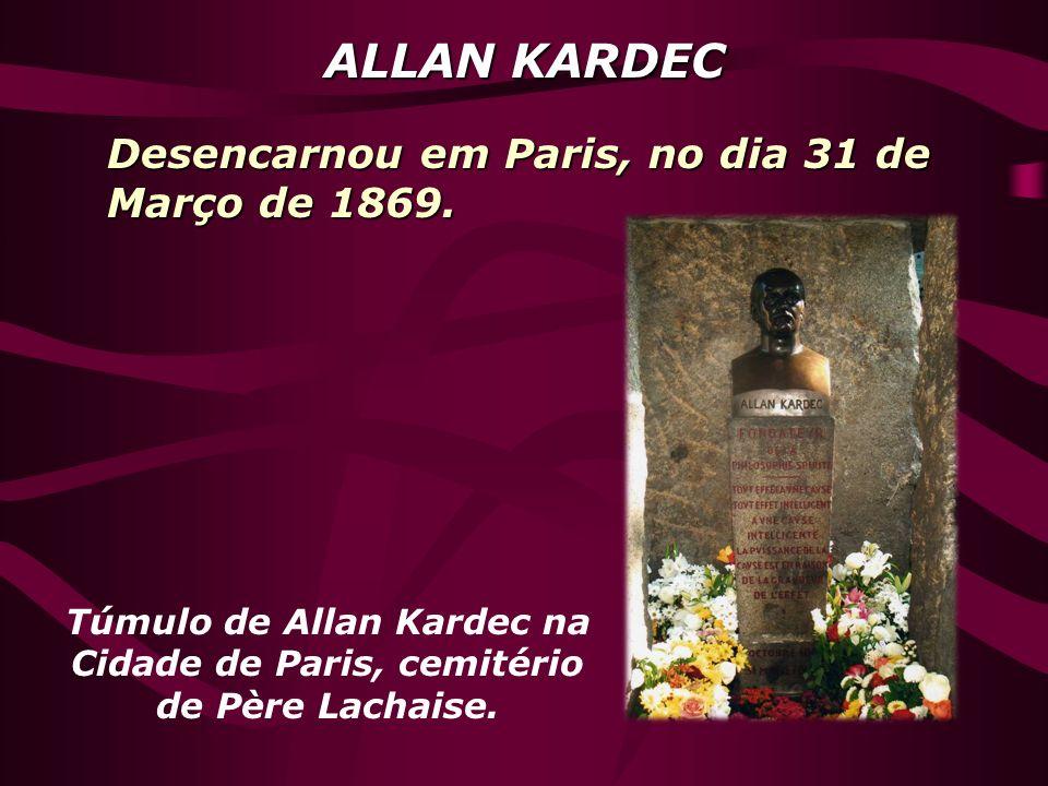 Túmulo de Allan Kardec na Cidade de Paris, cemitério de Père Lachaise.