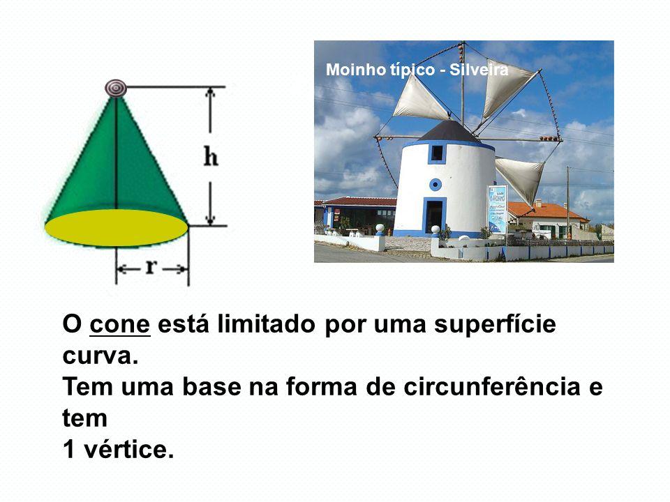 109m O cone está limitado por uma superfície curva.