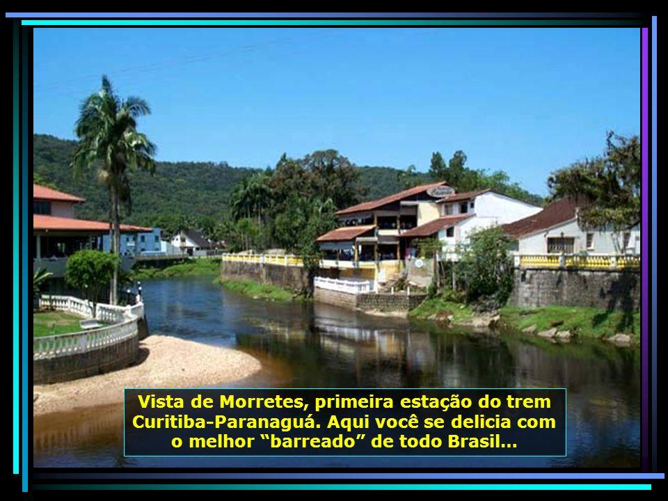 Vista de Morretes, primeira estação do trem Curitiba-Paranaguá