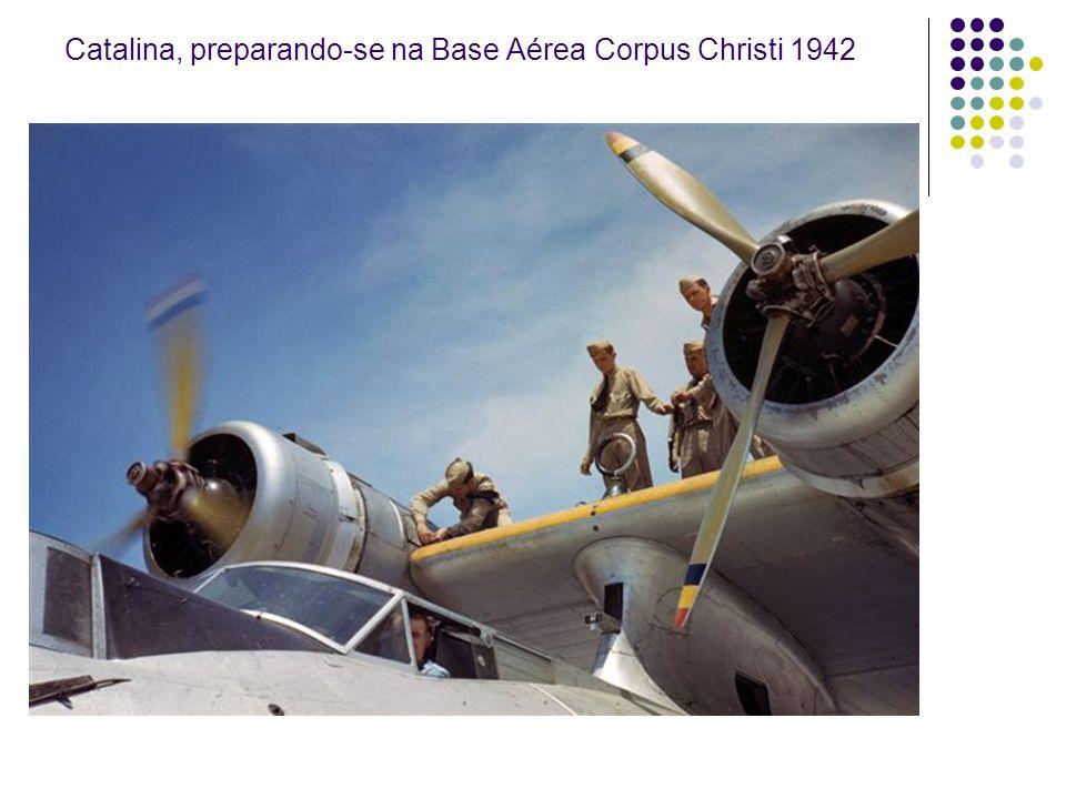 Catalina, preparando-se na Base Aérea Corpus Christi 1942