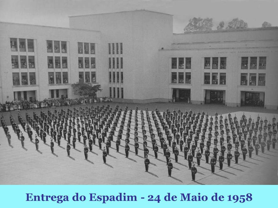 Entrega do Espadim - 24 de Maio de 1958