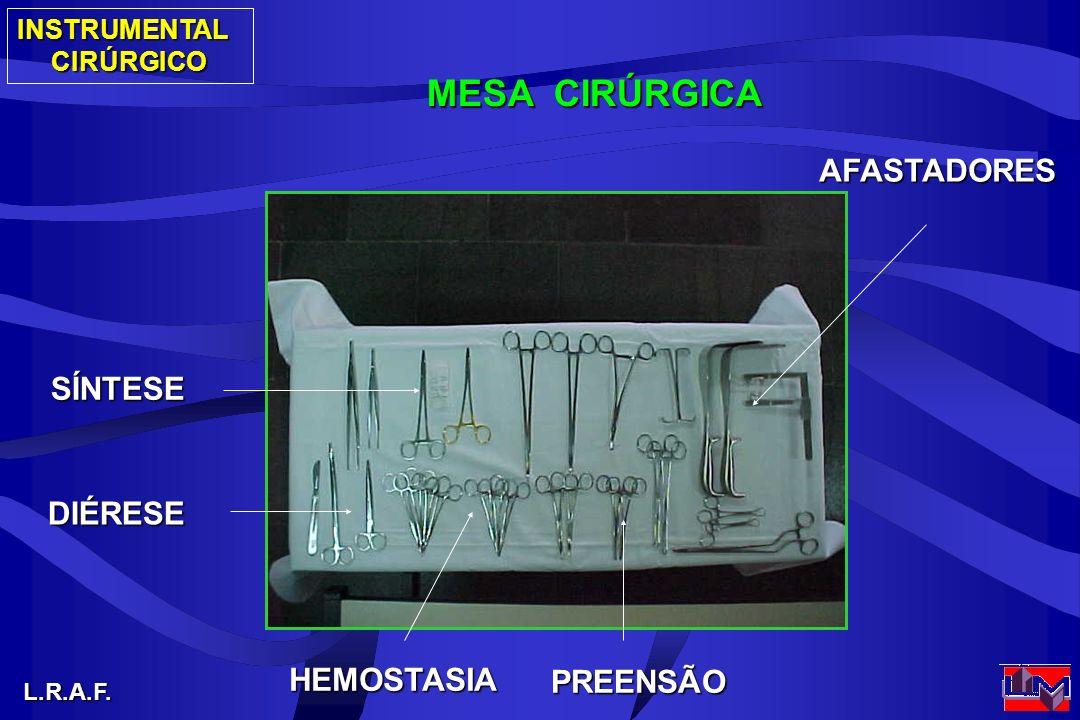 MESA CIRÚRGICA AFASTADORES SÍNTESE DIÉRESE HEMOSTASIA PREENSÃO
