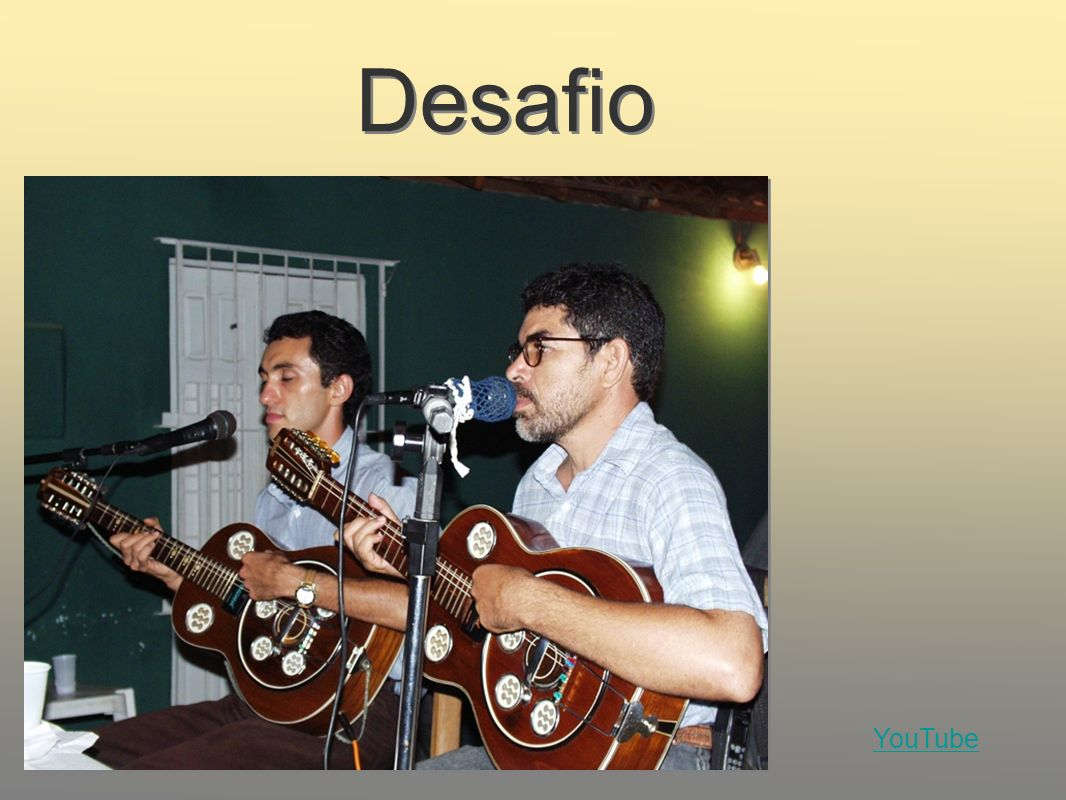 Desafio Photo: Repentista poets Antônio Lisboa (right) and Edmilson Ferreira (left) in a pé- de-parede desafio, Recife, Photo by Sylvia Crook.