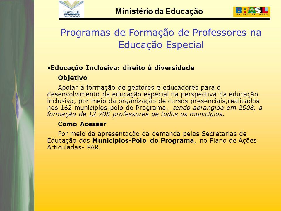 Programas de Formação de Professores na Educação Especial