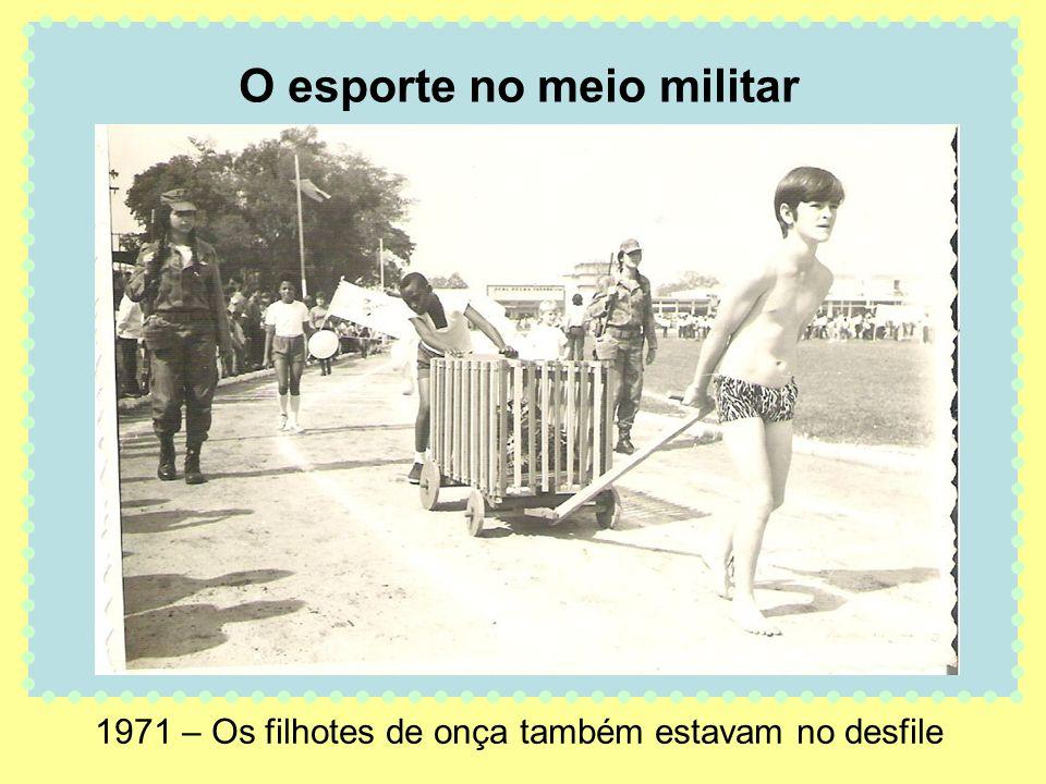 1971 – Os filhotes de onça também estavam no desfile