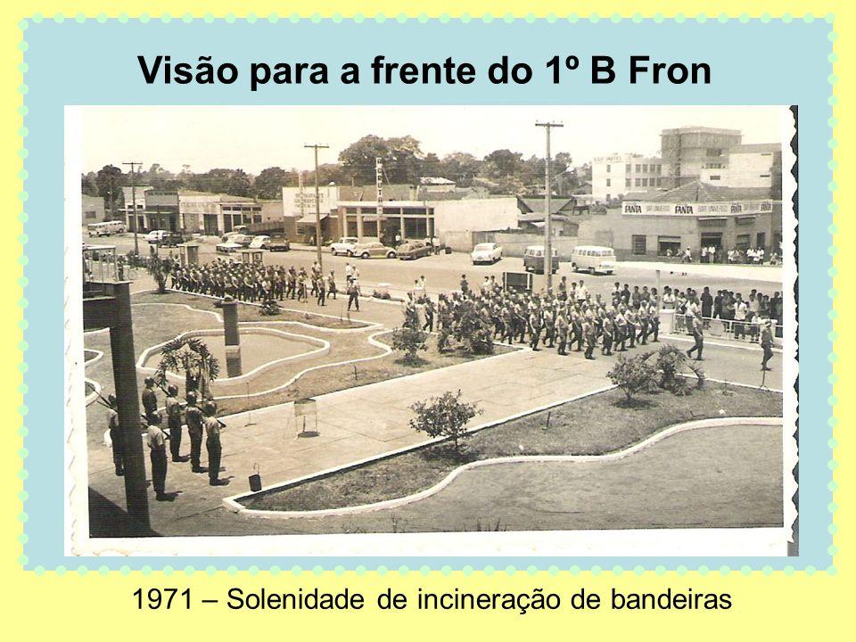 1971 – Solenidade de incineração de bandeiras