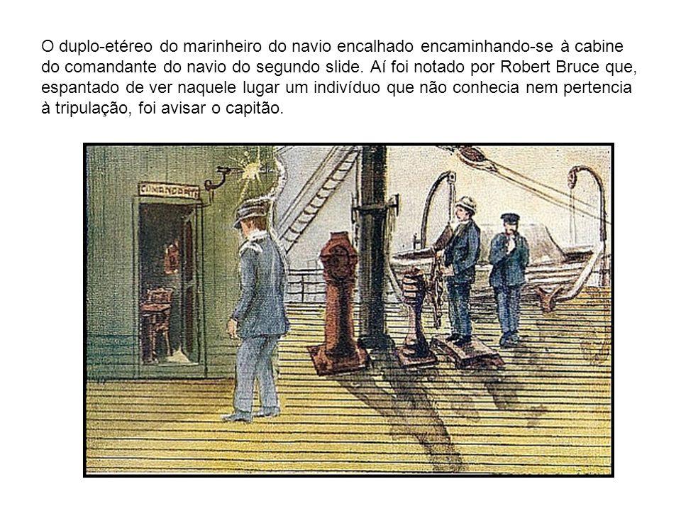 O duplo-etéreo do marinheiro do navio encalhado encaminhando-se à cabine do comandante do navio do segundo slide.