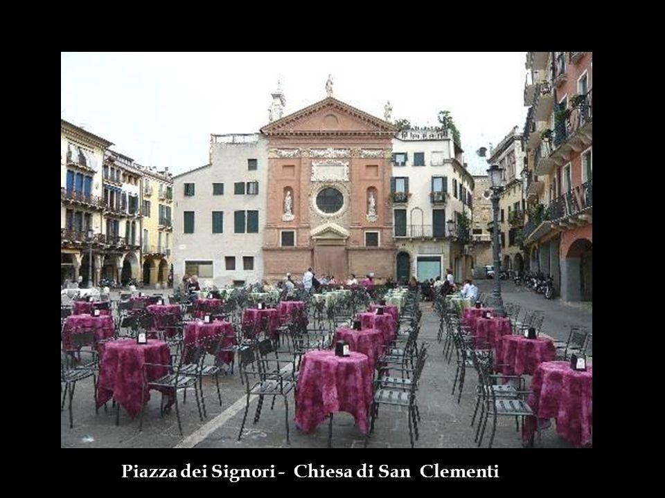 Piazza dei Signori - Chiesa di San Clementi