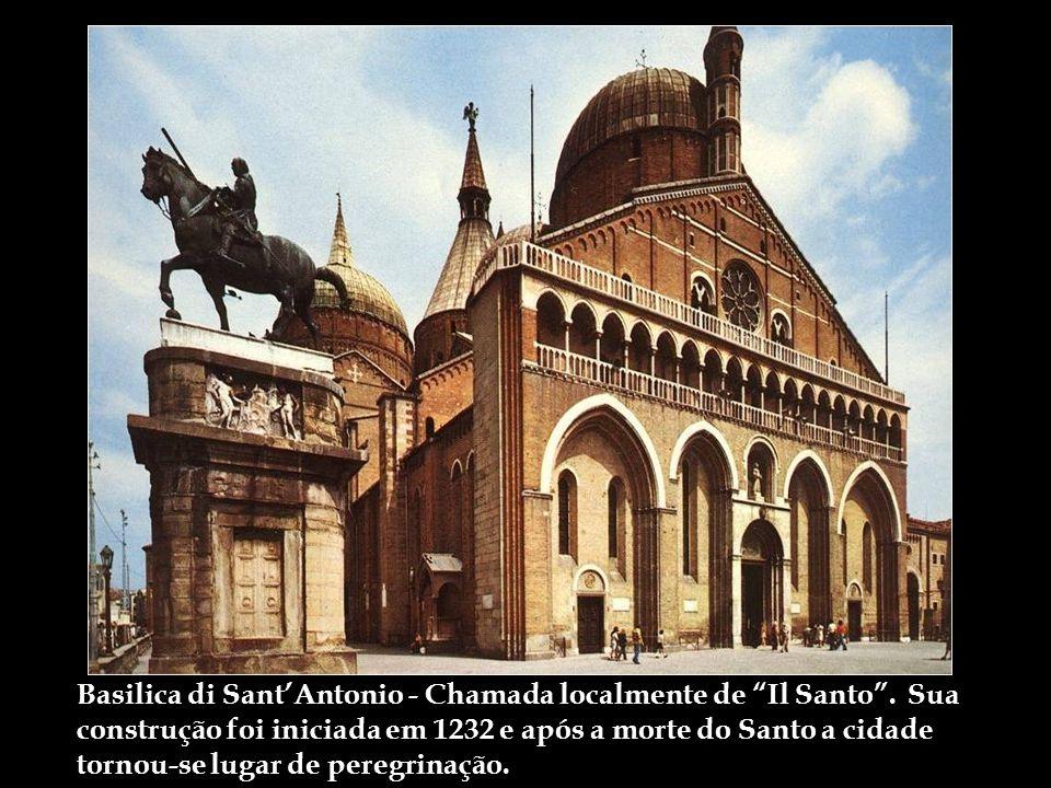 Basilica di Sant'Antonio - Chamada localmente de Il Santo